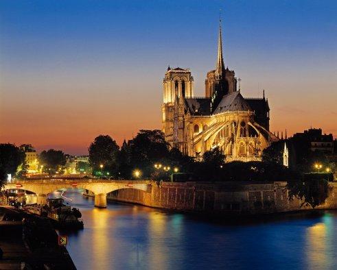 la_catedral_de_notre_dame_1258x1009