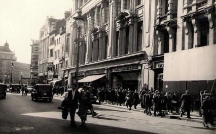 Lyons-Coventry-Street-c19541-426x265