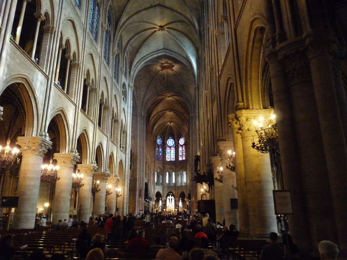 The-religious-hot-spot-of-Paris-La-Notre-Dame-7