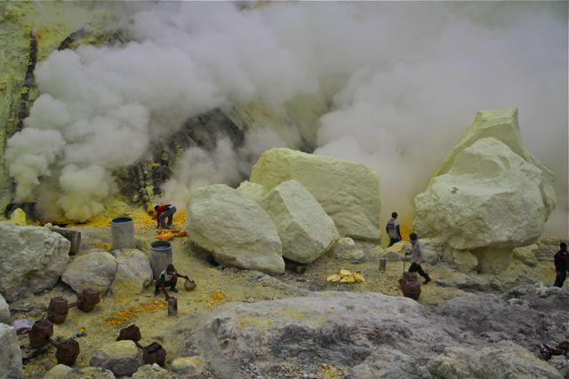 Volcán-Kawah-Ijen-7